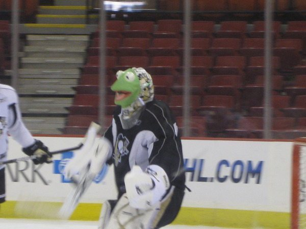 Hockey_kermit